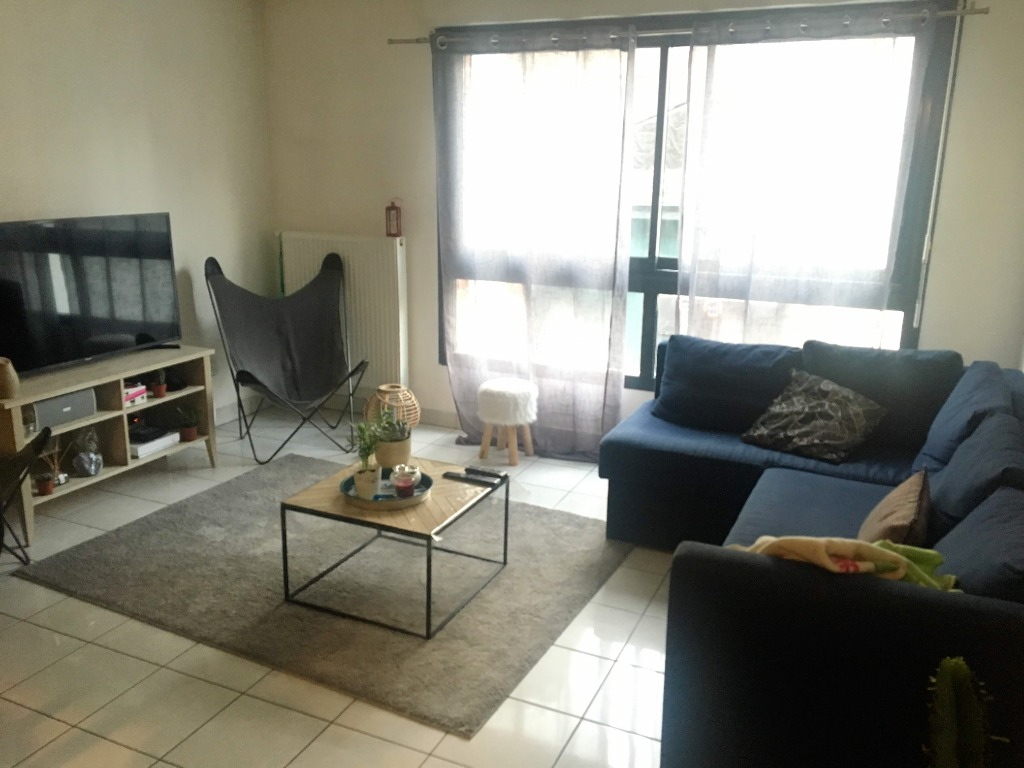 Vente appartement - Appartement loué, hyper centre, 2 chambres,parking, cave