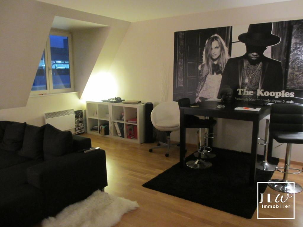 Location appartement - APPARTEMENT NON MEUBLE  HYPERCENTRE 53 m² LILLE